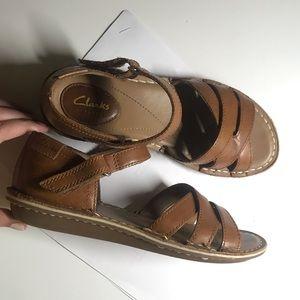 EUC Clarks Artisan Sandals 6